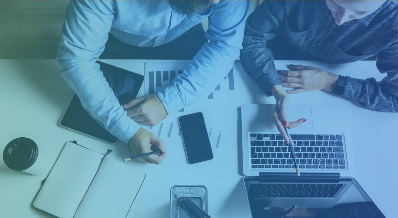 企業が選ぶ!ホームページCMSツール3大比較